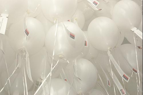 Witte ballonnen (c) Josnas