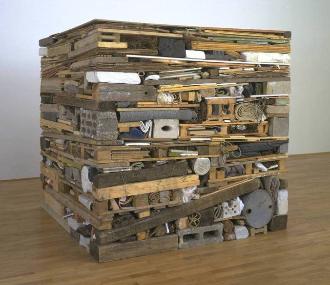 ny Cragg, Stack, 1975, Tate Britain Londen