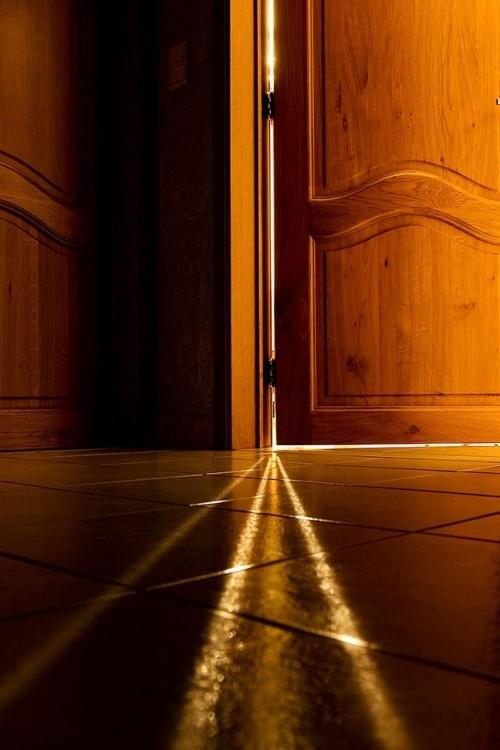 deur-op-een-kier-211923