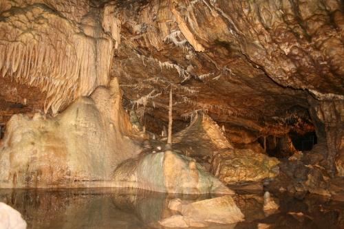 GrottesDeHotton